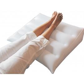 Nafukovací klínový polštář 70 x 50 cm
